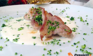 Bocconcini di maiale con crema di pecorino e cruditè di cavolo verde