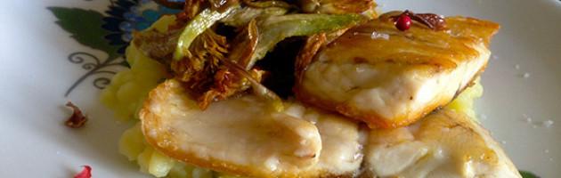 Spigola con purea di patate e carciofi