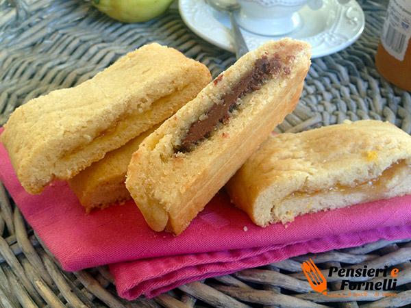 Biscotti di frolla morbida ripieni
