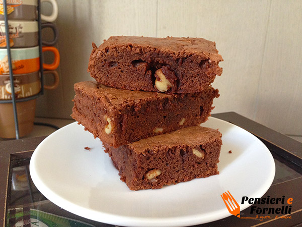 Brownies classici cioccolato e noci