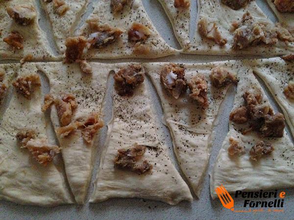Cornetti di pane ai ciccioli