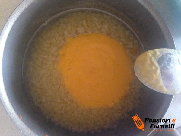 Pasta con crema di zucca e mozzarella
