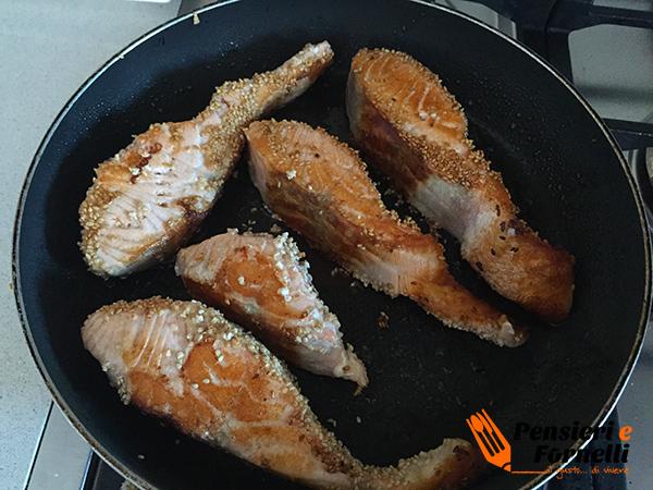 Tranci di salmone al sesamo
