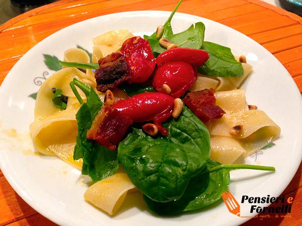 Pappardelle con spinacino fresco e pancetta croccante