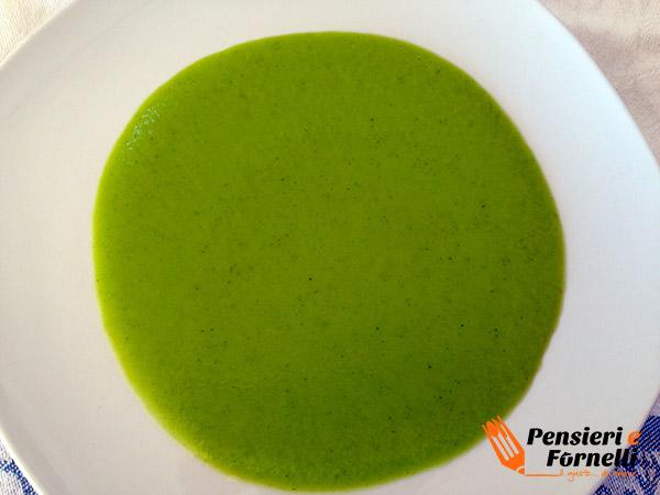 Flan di pecorino su crema di broccoli
