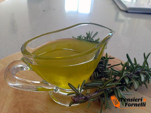 Olio aromatico al rosmarino