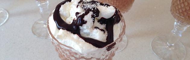 Mousse al cioccolato fondente con cocco