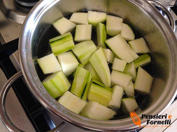 Farro con crema di zucchine e formaggio magro