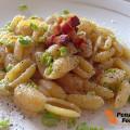 Gnocchetti sardi con fave pancetta e pecorino